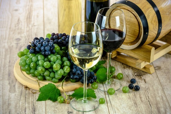 a comprehensive guide to how to import wine to vietnam