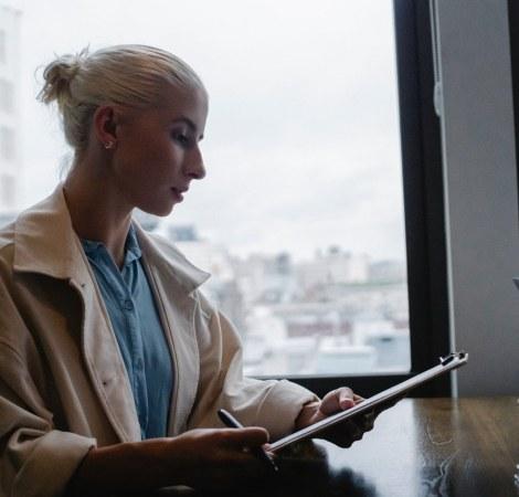Virtual Assistant Vietnam: 4 Benefits for Business