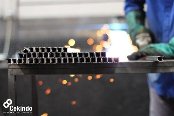 Manufacturing Shift Vietnam